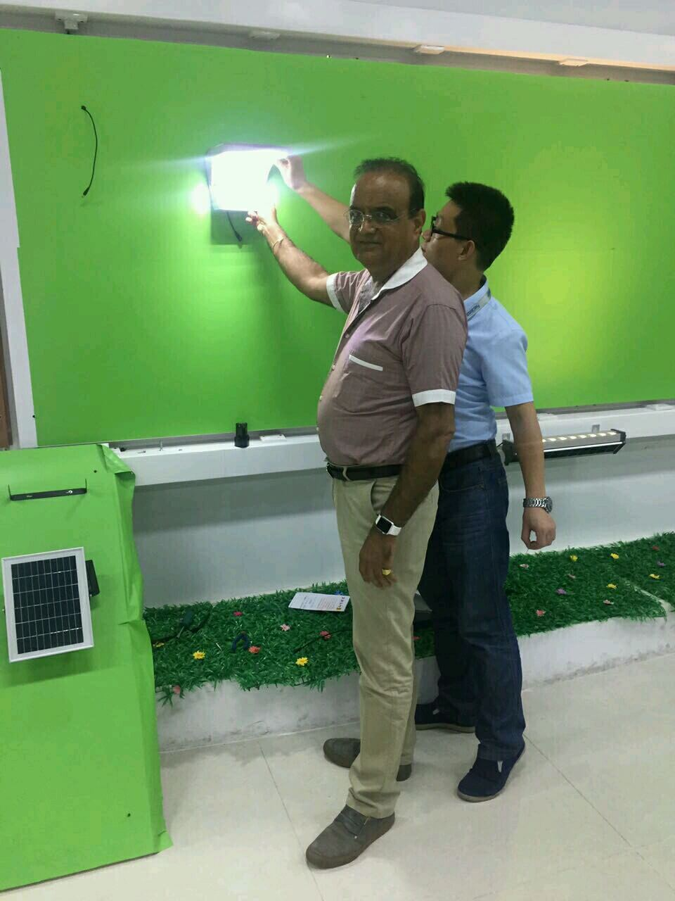 Sresky - Visiting photos of Thailand customers using Solar area light
